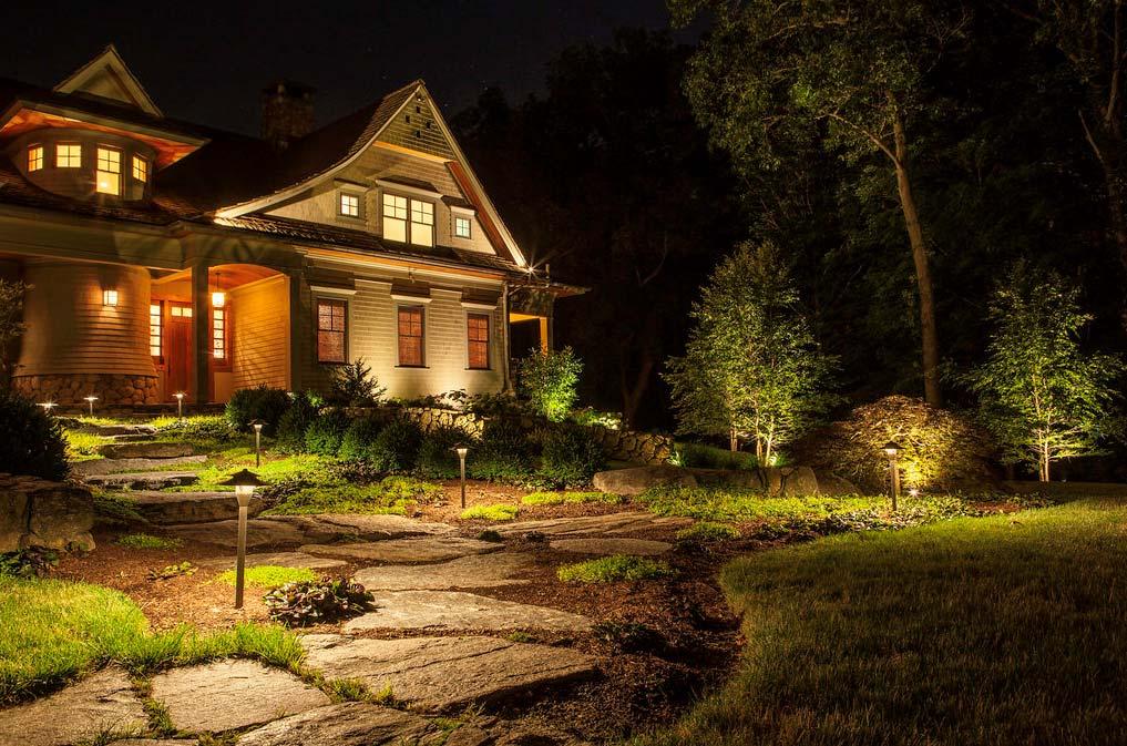 house-with-stone-pathWeb