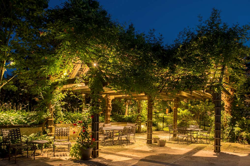 portico-with-greeneryWeb
